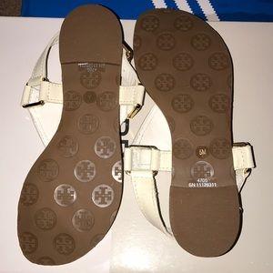 aa91b9d8b Tory Burch Shoes - BRAND NEW Tory Burch Regan Thong Flat (White)